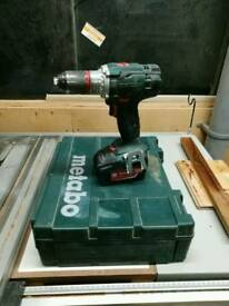 Metabo drill, 2x 4ah battery