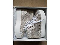 Jeffrey Campbell (JC) Play Canvas platform shoes for sale - Size 7