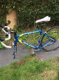 Raleigh Airlite 100 road bike (needs chain replacement)