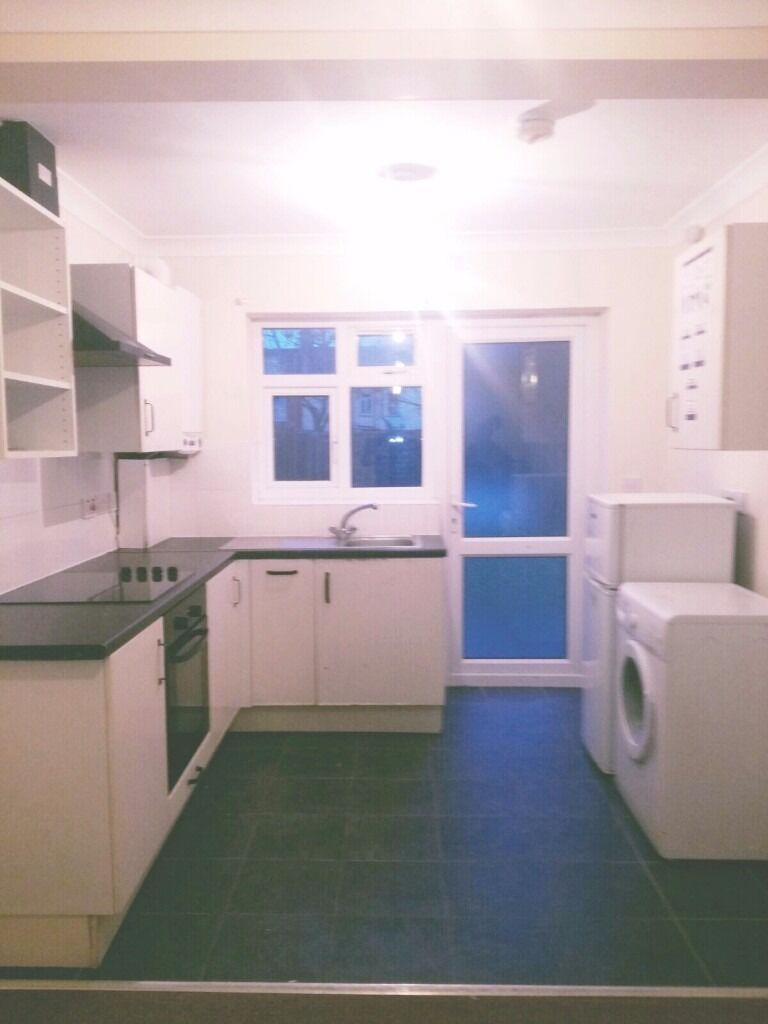 Ground floor 2 Bed Maisonette to Rent with Private Garden