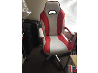 Racing Sport Gaming Style Leather Swivel Chair in Contrasting Colours (Red & White)