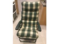 Reclining garden chair. Very good condition. Reclines to 3 positions.