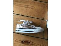 Converse size 5 (toddler)