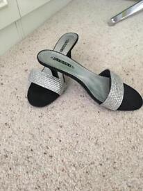 Silver sandles size 4