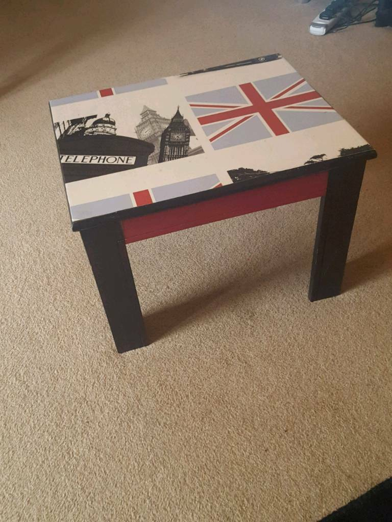 London style side table