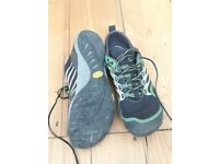 Merrel trail glove shoes size 8.5