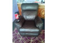 High Quality Brown Leather Electric Remote Armchair Like New FREE delivery