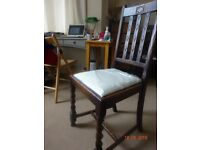 EXTENDABLE DINING TABLE WITH 4 CHAIRS,