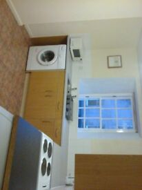 Lovely 2 Bed Flat High Street Kirkcaldy