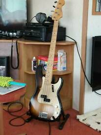 Fender 2017 Road Worn 50S P Bass and Fender Pro Case
