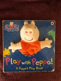 Play with Peppa puppet book