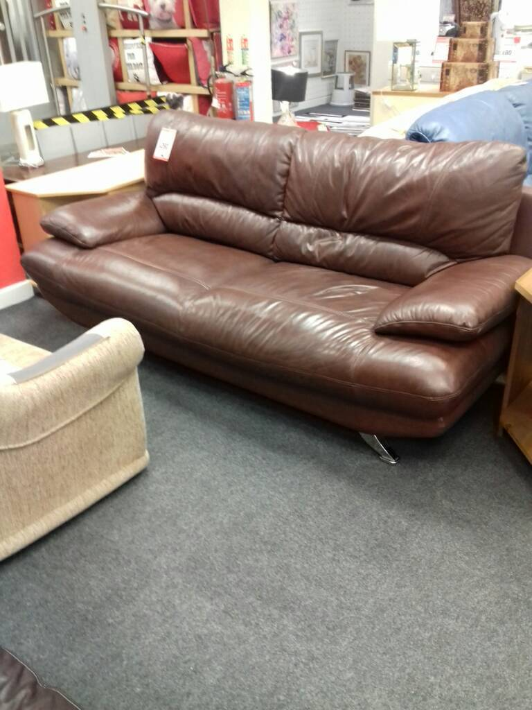 Beautiful brown leather suite.