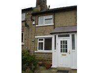 Semi Detached House - Large Property, 5 Min Walk To University - Manor Rise, Newsome, HD4