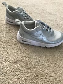 Girls air max thea