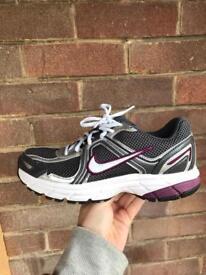 Ladies Nike Air Citius+3 trainers Size U.K. 4.5