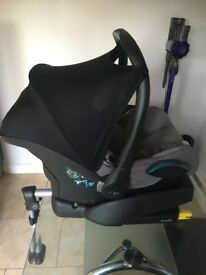 Maxi cosi cabriofix Baby car seat with isofix easy fix base