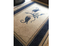 RUG FOR LIVING ROOM - BEDROOM EXTRA LARGE SIZE- USED IN GOOD CONDITION - COLLECTION ONLY