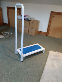 Safety Step Stool Non-Slip Bath Kitchen Support Mobility Aid - unused