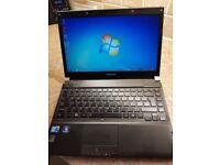 Toshiba R700 Laptop - Windows 7