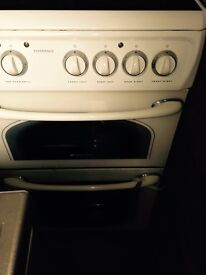 Oven in good condition hardly used
