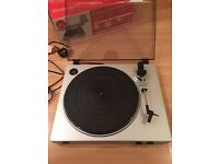Selling Ion USB turntable/vinyl archiver with line input TTUSB05XL