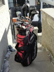 ENSEMBLE COMPLET TAYLOR MADE M2 DROITIER: DRIVER, BOIS 3 ET 5, HYBRIDE 3, FERS, WEDGES VOKEY, PUTTER, SAC TAYLOR MADE