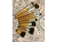 10 piece wooded makeup brushes