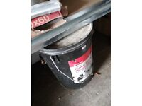 1 tub of Liquid damp proof membrane for walls and floors