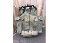 Dutch army OG nylon combat pack rucksack GC & Mint Norwegian clip on w/bottle