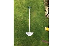 Free garden snippers and edging spade