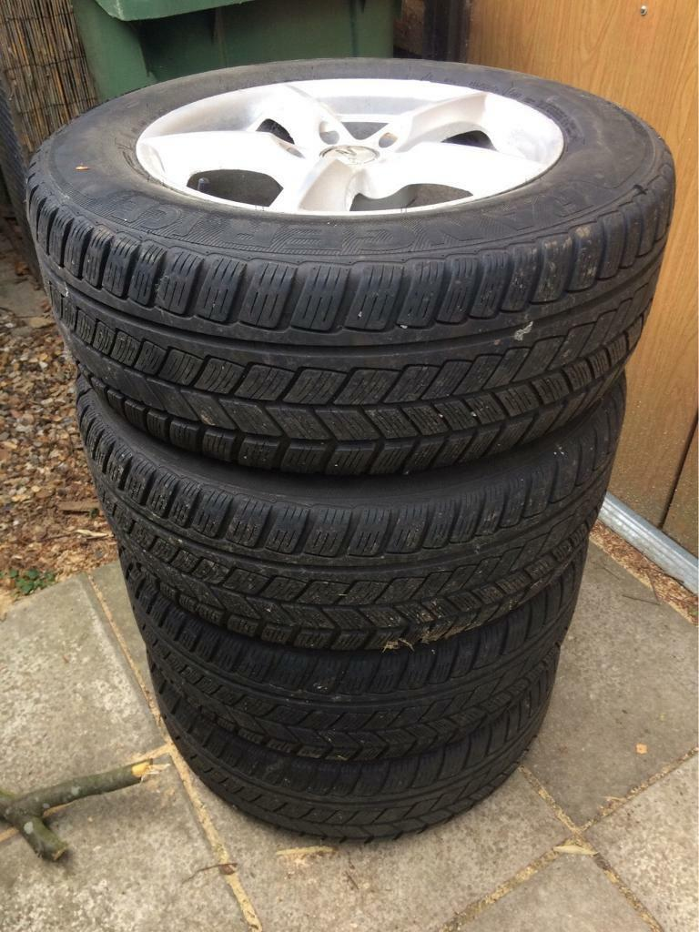 215 65 16 Nissan Qashqai Juke Avon Ranger Ice Winter Tyre set on Zito Alloys