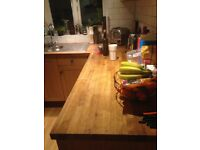 Tiny oak kitchen - worktops and working white goods (Bosch and Hotpoint) and working gas oven