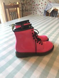 Junior girls Dr Martens boots, size 3, pink. Never worn.