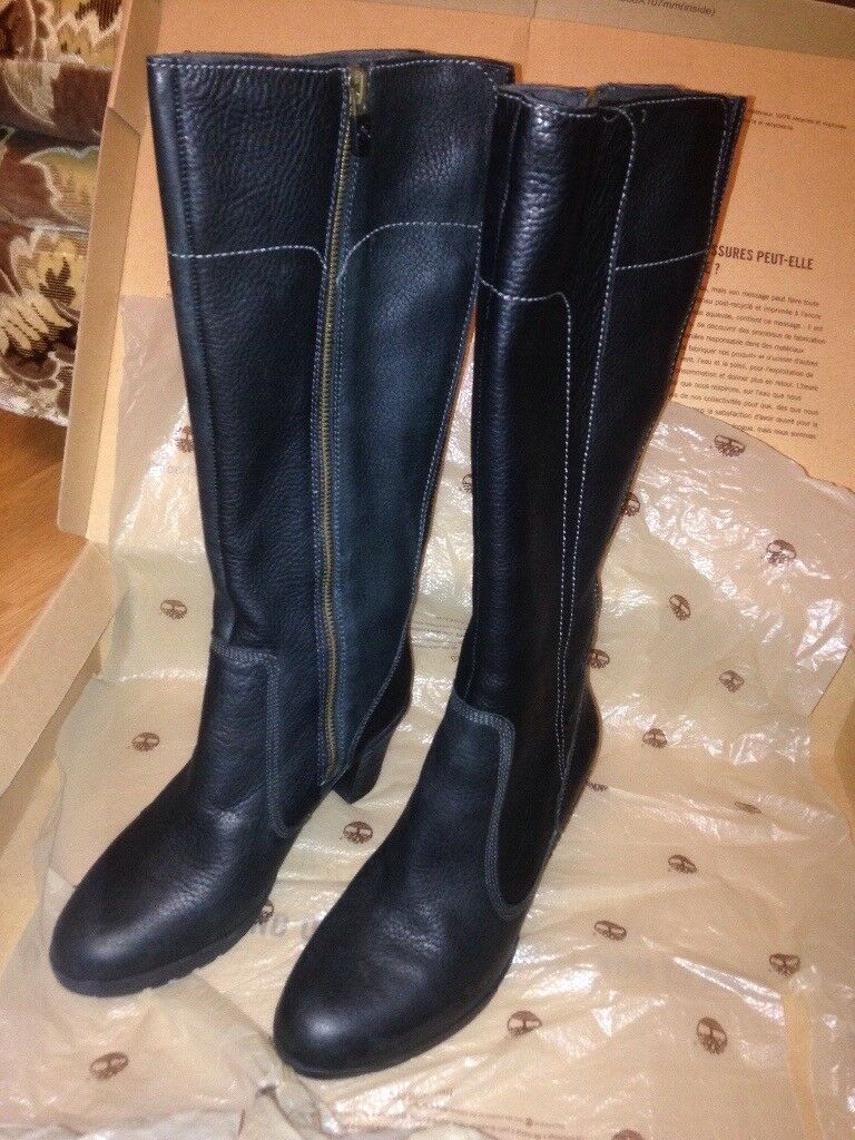 BRAND NEW, STILL IN BOX. Genuine Timberland size 5 boots