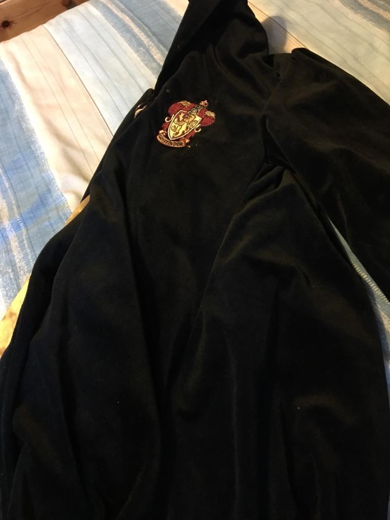 Harry Potter robe (griffindor) age 8-10