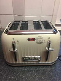 Breville 4 slice toaster new