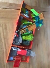 Matchbox fold up car jungle set