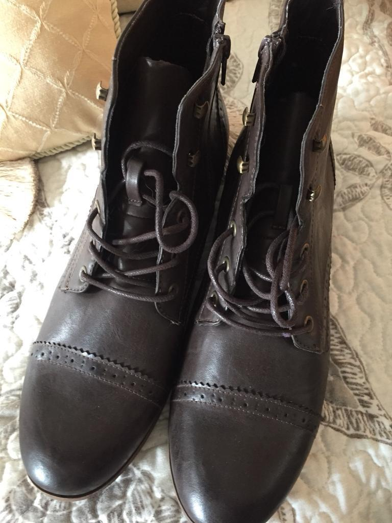Brand new Boots size 9