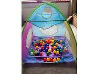 Pop up tent with balls
