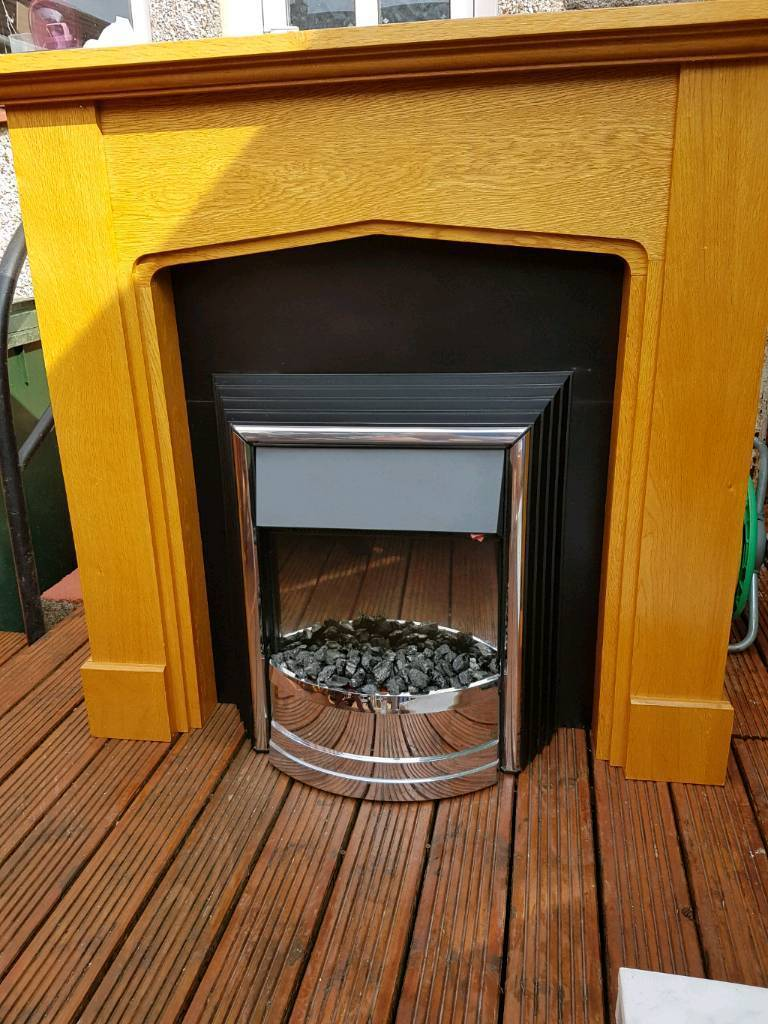 Fireplace with firein Kilmarnock, East AyrshireGumtree - Fireplace with fire excellent condition kilmarnock area can deliver