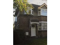 1 BEDROOM FLAT WITH LARGE SIZE LIVING ROOM AND GARDEN IN HARROW