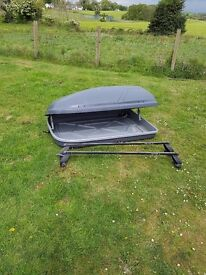 Halfords 250ltr roof box and bars