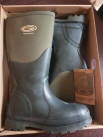 Grub boots