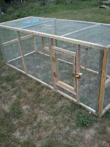 Outdor Chicken Tractor/Hutch