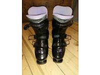 Salomon Optima Ultra Light Ladies ski boots - size 325/25.5 (approx 6 or 7)