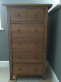 Solid oak drawer unit/chest of drawers