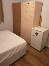 📍SINGLE ROOM AVAILABLE 🏡 SOLANDER GARDENS 🚇 SHADWELL 📍
