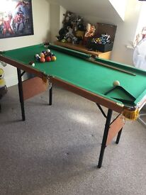 Dunlop 4ft Pool Table