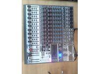 Beringer xenyx 1832 fx mixer