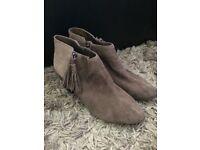 #7 clarks women's shoes original store reject cheap! Size 8